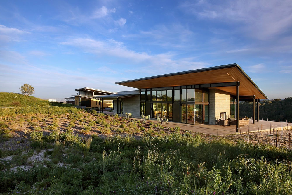 A weekend away at a vineyard doesn't just about the wine tasting—rather it is an opportunity to a beautiful destination with impressive modern architecture